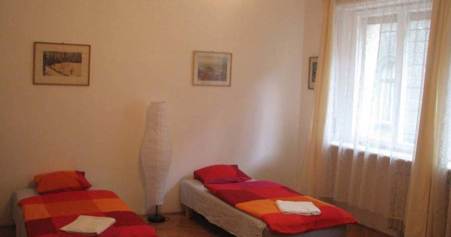 hostel reservations in Budapest