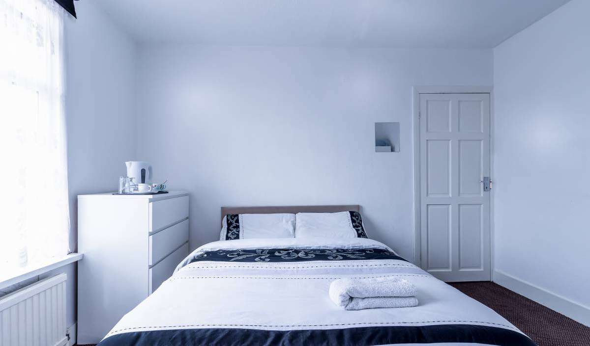 Book youth hostels and hotels now in East London