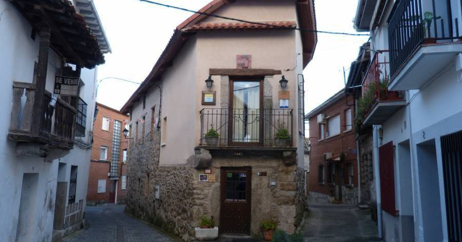 backpacker hostel in Avila